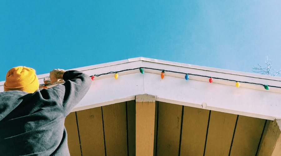 how to hang outdoor christmas lights staple to roof