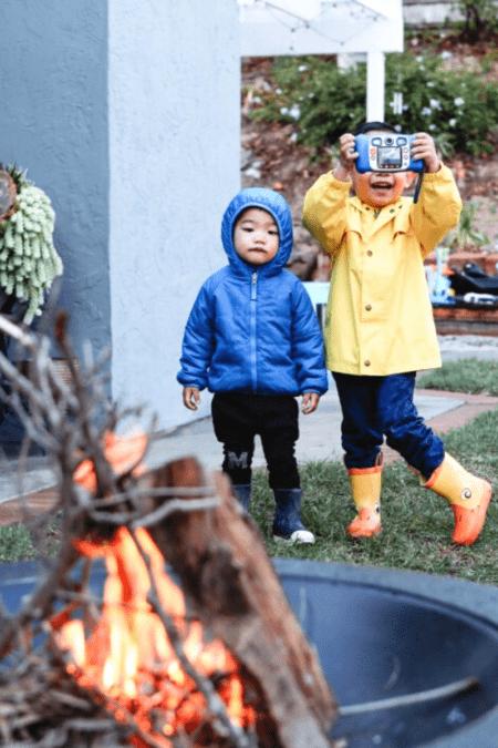 winter fire pit ideas backyard daytime with kids