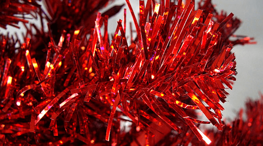 xmas tree ideas red tinsel wide