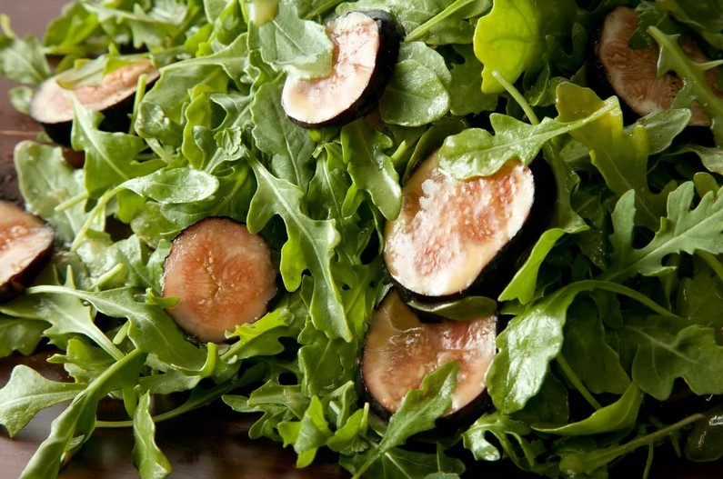 Fig and Arugula Salad with Honey-Mustard Dressing