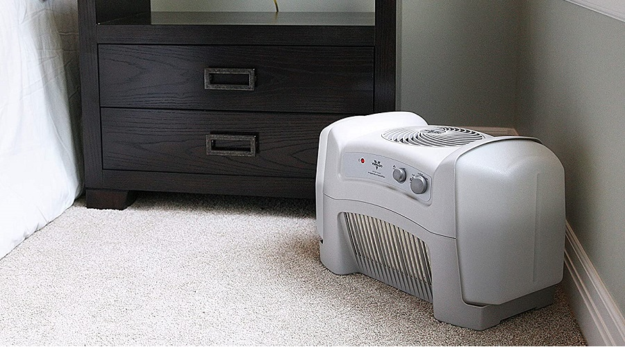 humidifier on a brown rug in a room