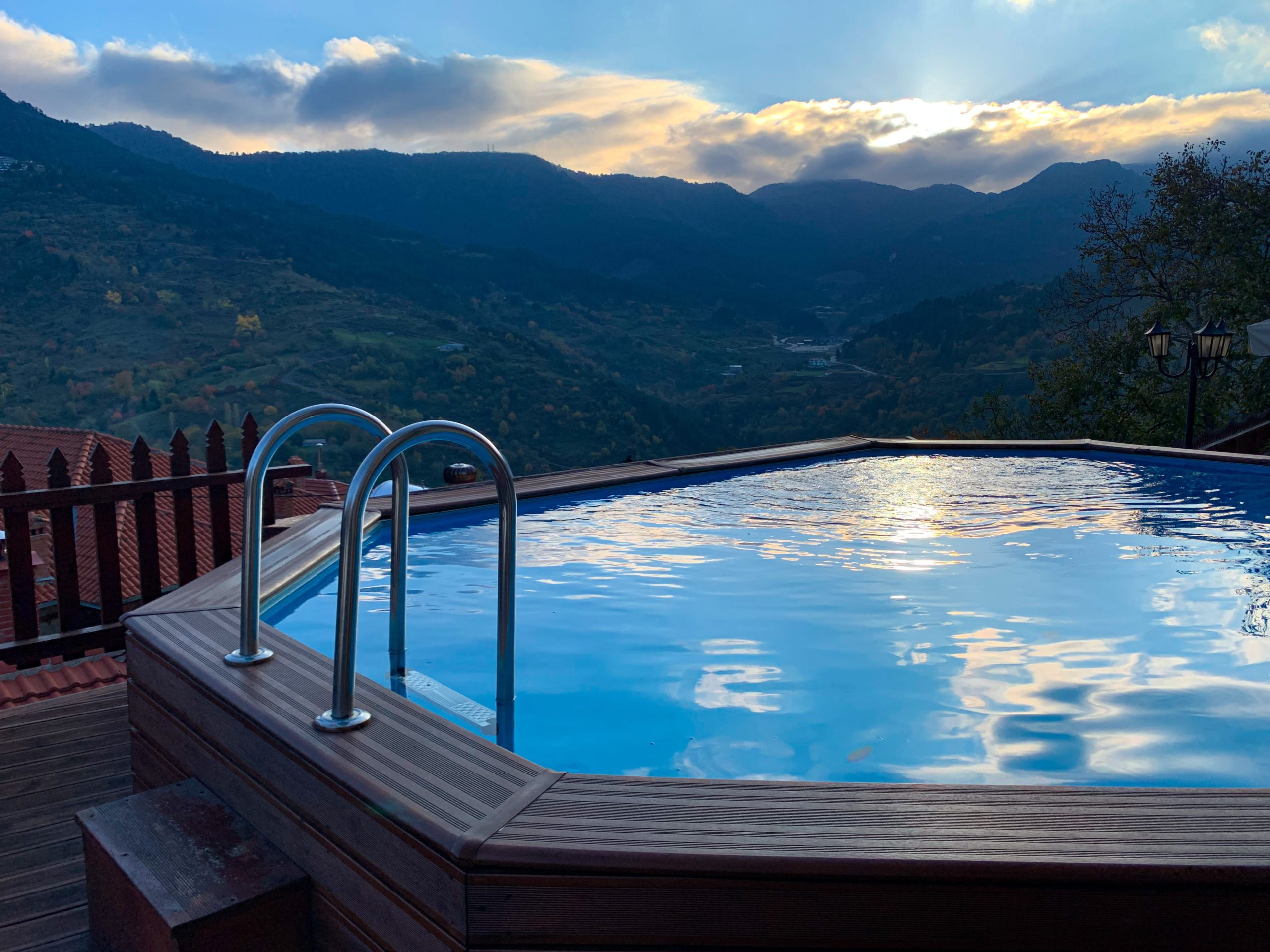 Wooden hot tub with a vew over the mountains