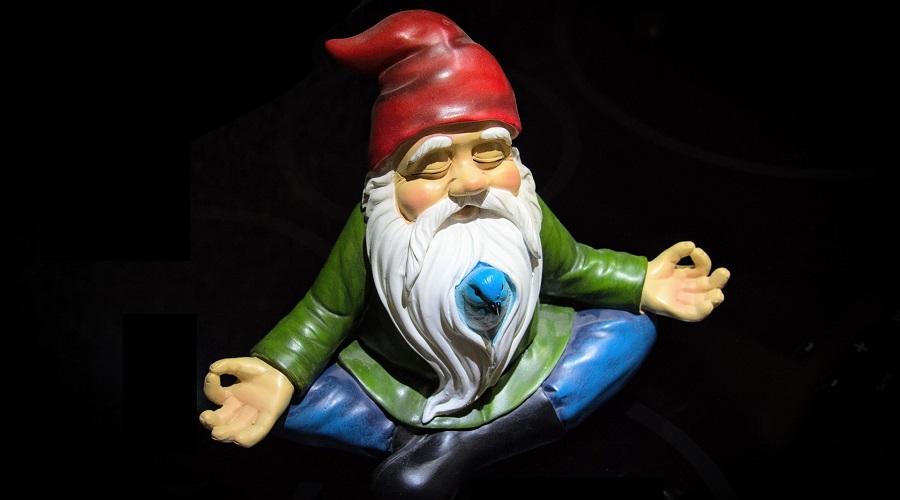 gnome meditating