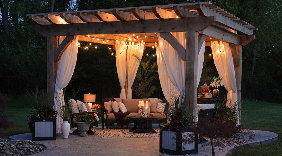 Outdoor arbor backyard decor