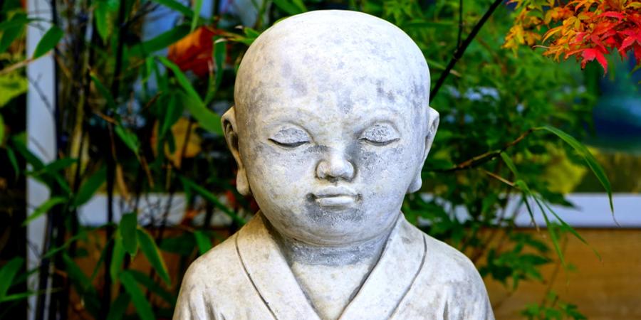 Zen Garden Buddah Statue