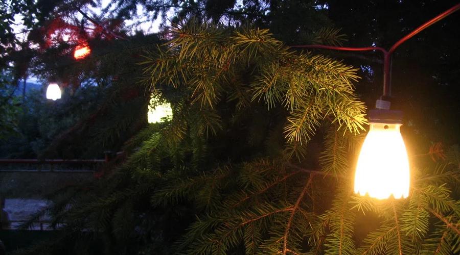 DIY romantic garden lights
