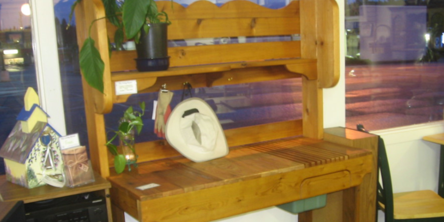 Potting Bench with Shelf Boards