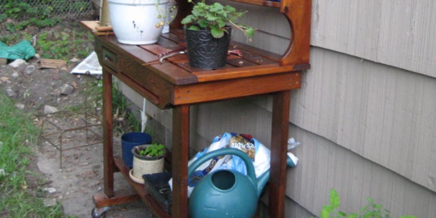 Wheeled Potting Bench