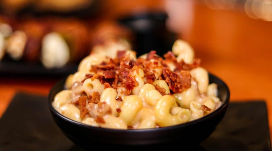 Mac 'n cheese in bowl