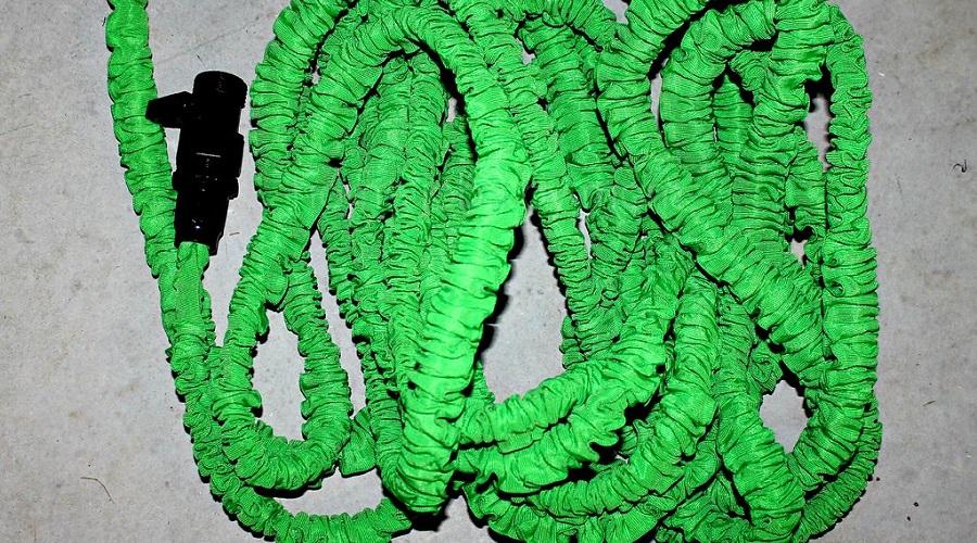 expandable garden hose DIY storage ideas