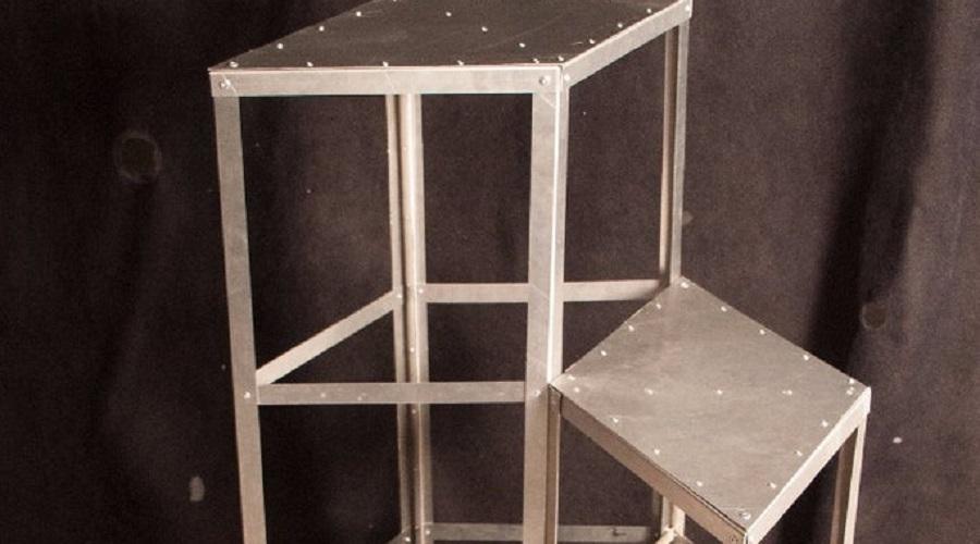Geometric Metal Steps – hot tub steps