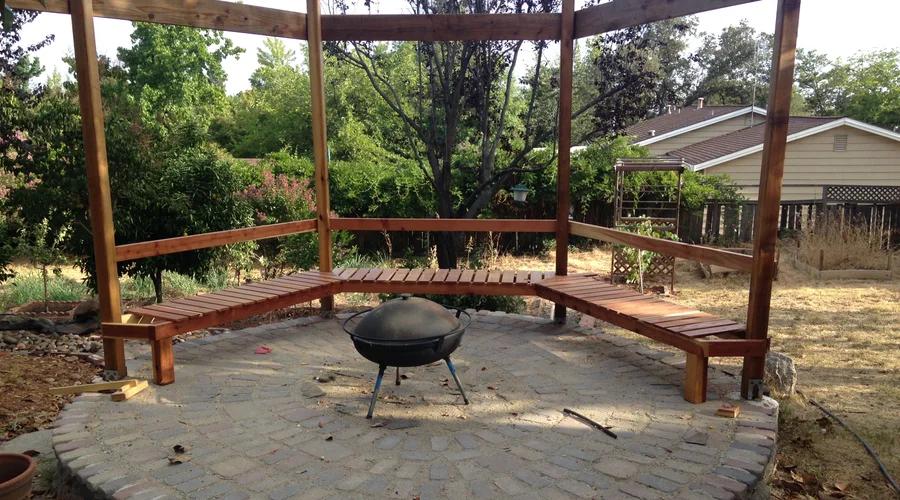 Gazebo-Style Bench