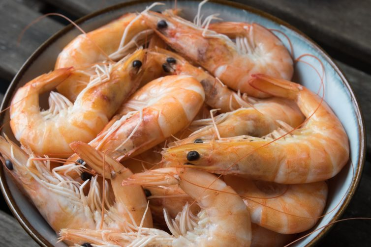 Raw Shrimps with peels