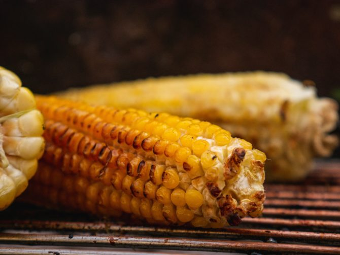 Grilled Corn on the grates